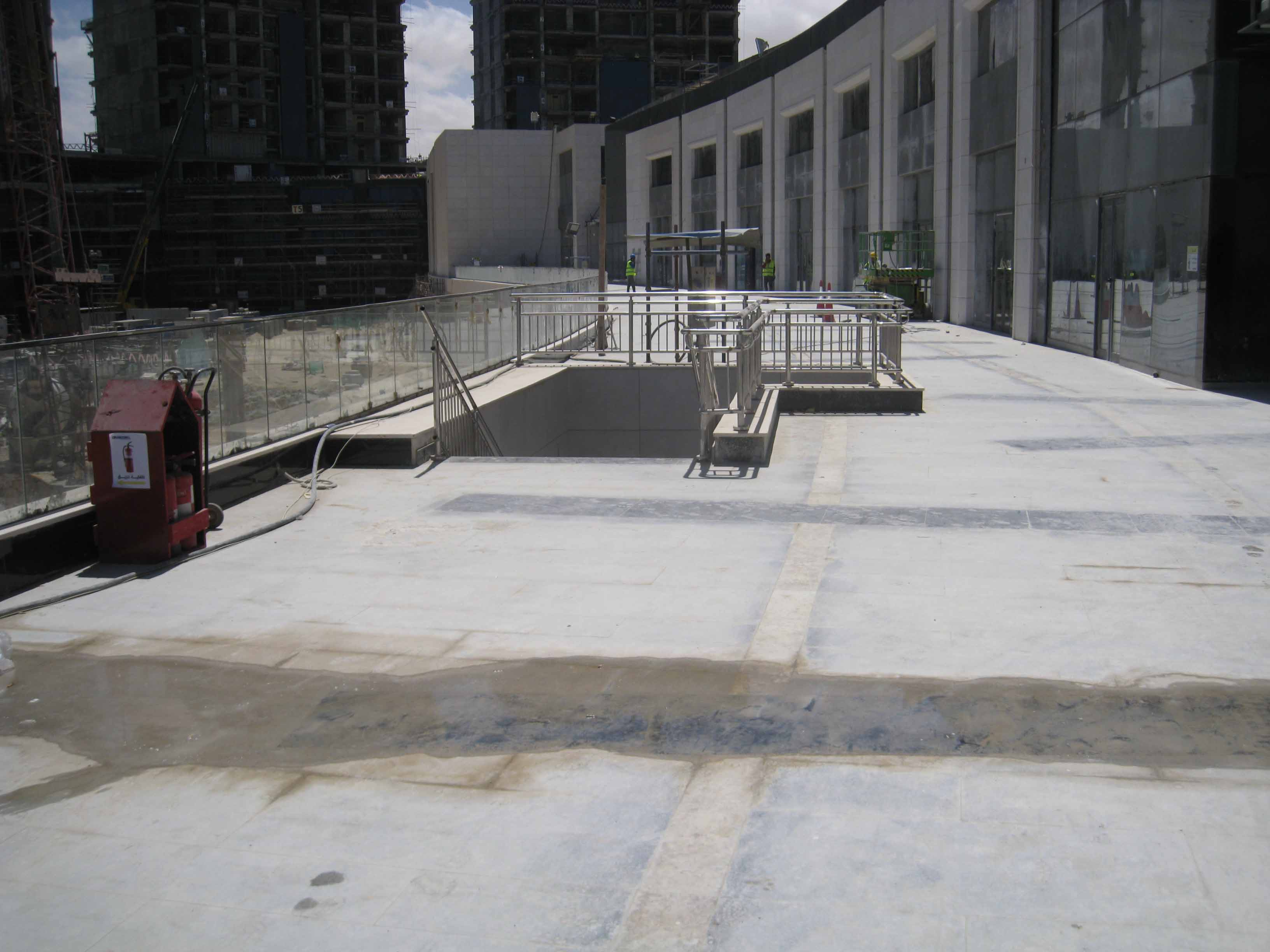 Glazing Handrail for 6000 Project (16)